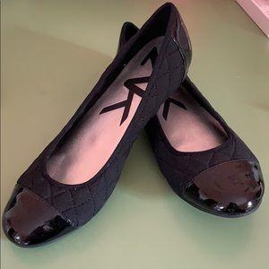 Black flats, unworn, size 9, Anne Klein Sport